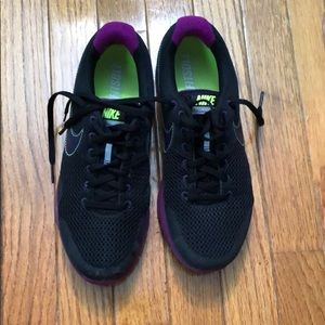 Black Nike Lunarfly Shoes Size 7.5